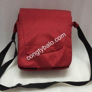 Công ty nhận sản xuất túi đeo chéo bằng bố 900D giá tận xưởng