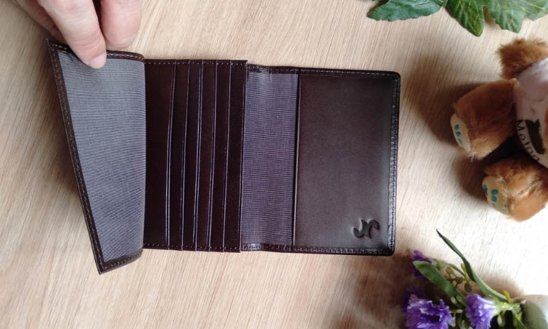 Các sản phẩm ví của Nguyên Hưng rất độc đáo, chất lượng