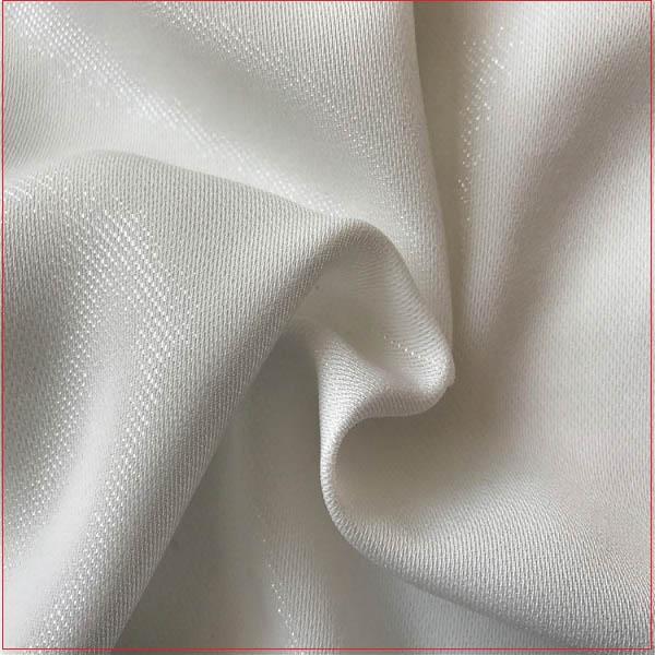 Vải poly có những ưu điểm cực kỳ vượt trội cùng giá thành phải chăng