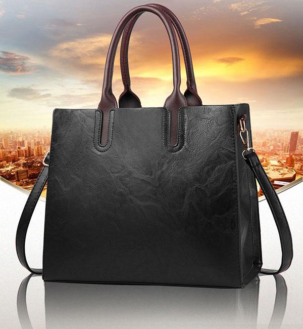 Túi xách nữ công sở form lớn là một trong những Item phù hợp nhất